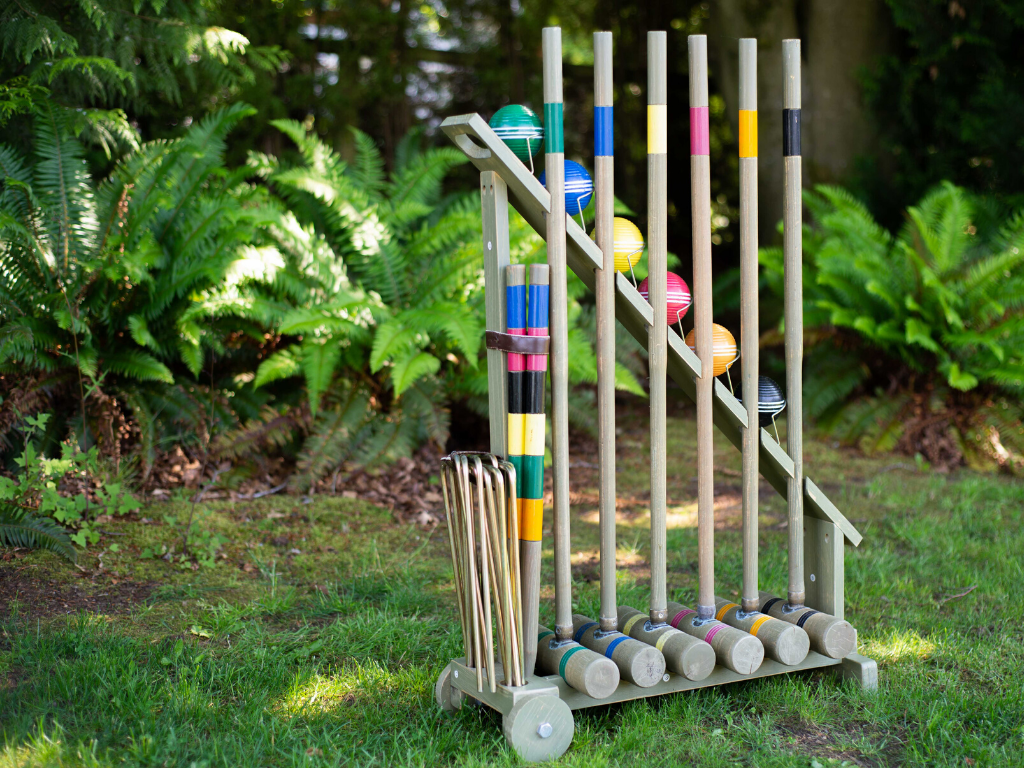 Croquet set for backyard lawn games