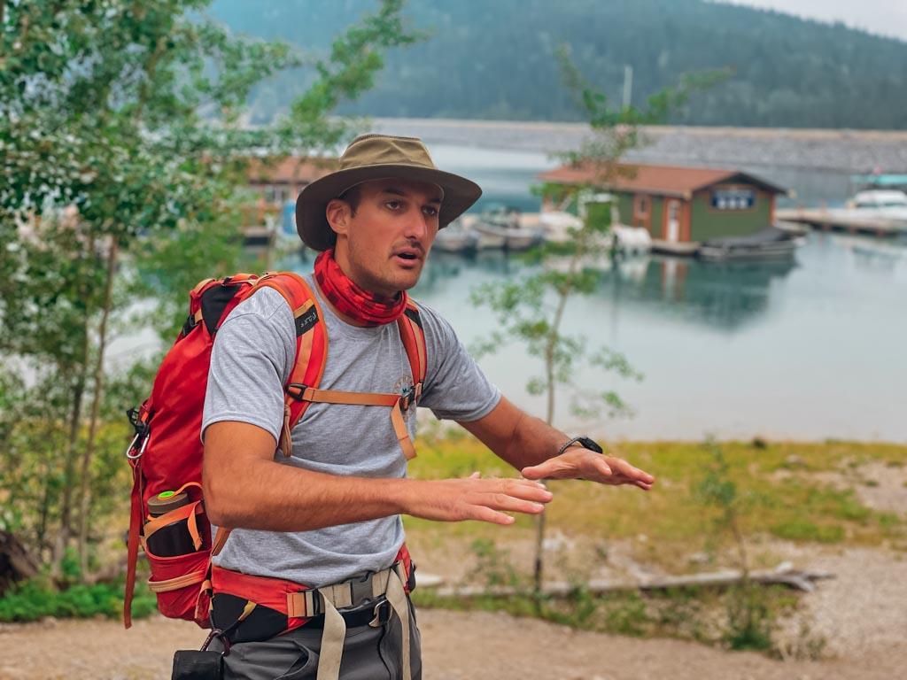 hiking guide explaining the trip plan